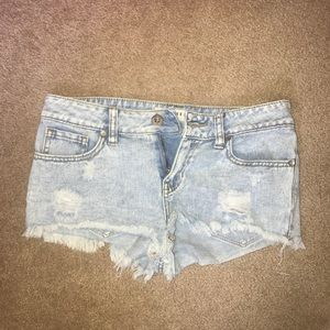 pac sun, size 1, low-rise jean shorts